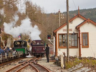 Taliesin passes the slate train at Rhiw Goch loop